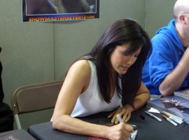 LFCC 18 Kelly Hu Signing Autographs