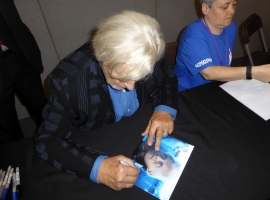 Rutger Hauer Signing Autographs 02JPG