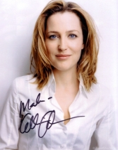gillian-anderson-signed-photograph