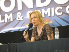 gillian-anderson-talk-at-lfcc-21