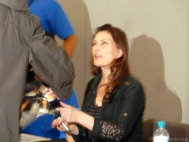 jane-badler-signing-autographs-2