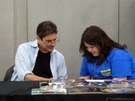 zach-galligan-signing-autographs-1